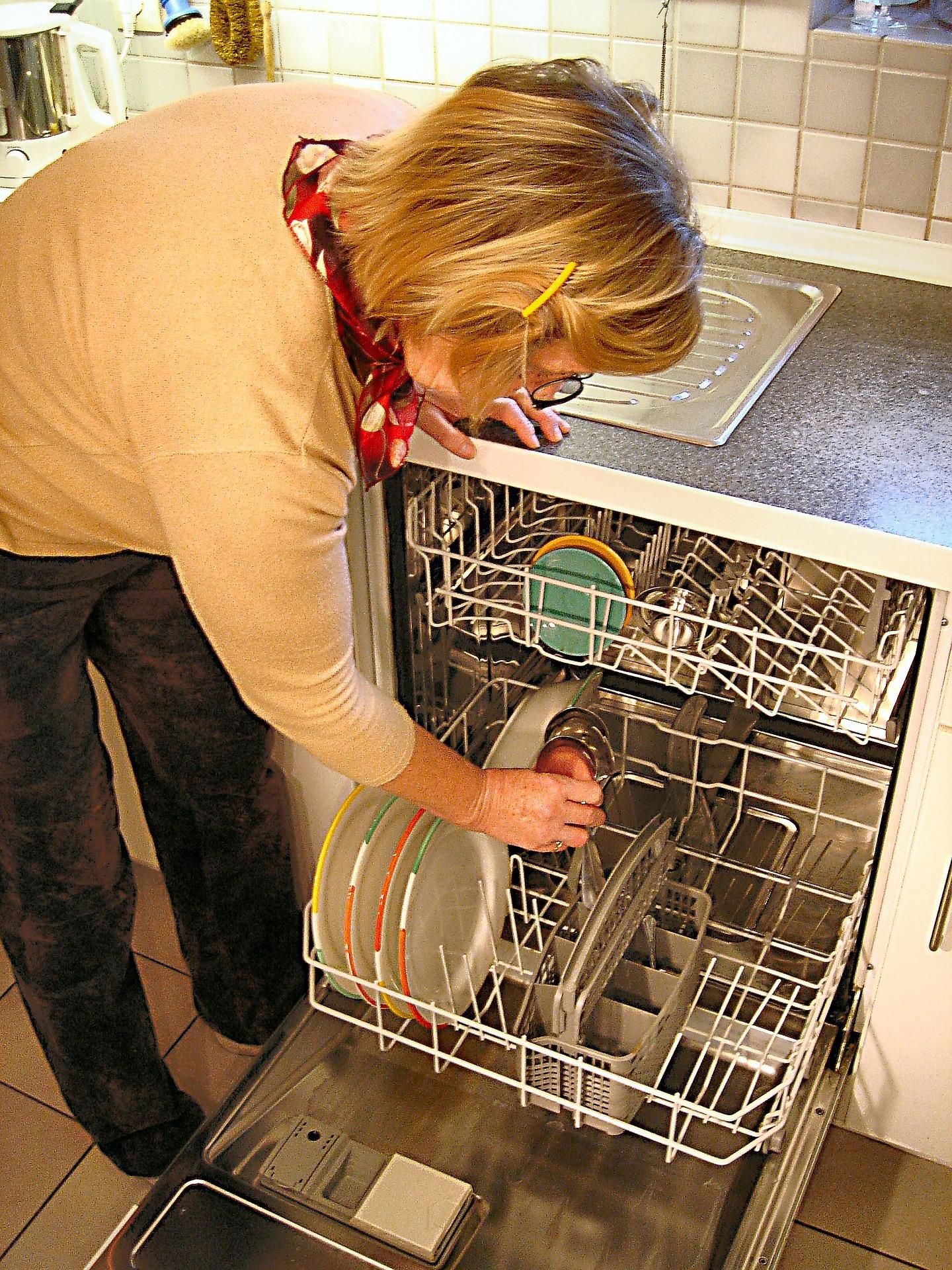 Patelnie szklane można myć w zmywarkach