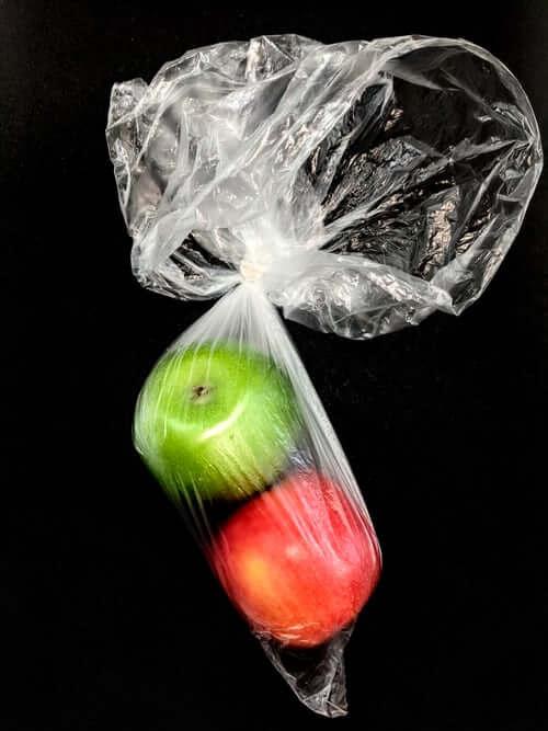 Zrywka to foliowa torebka o grubości mniejszej niż 15 mikrometrów l Chomik Gdów